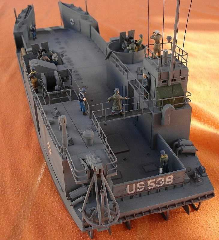 Mach 2 models 1 72 u s navy lct 6 wwii landing craft tank for Military landing craft for sale